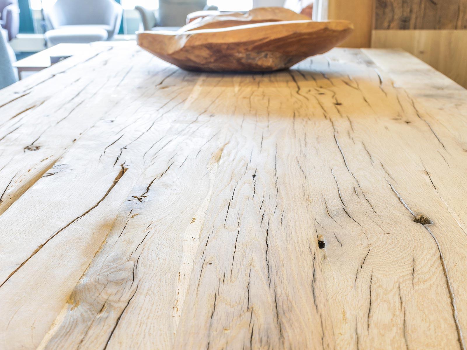 Tischplatten aus edlem Holz - wir fertigen auf Maß!