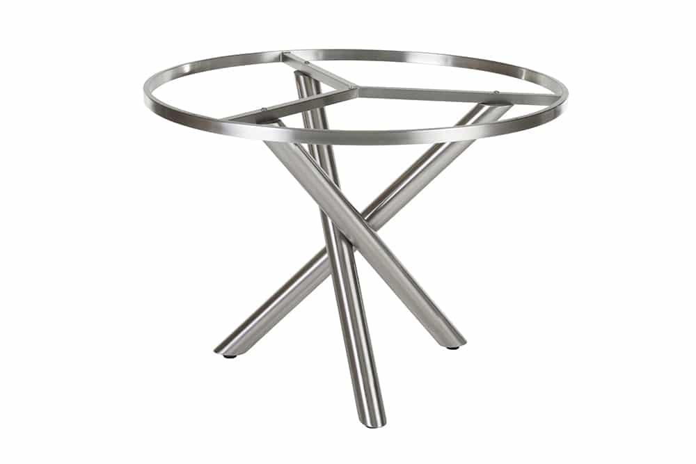 Verschiedene Outdoor-Tischuntergestelle