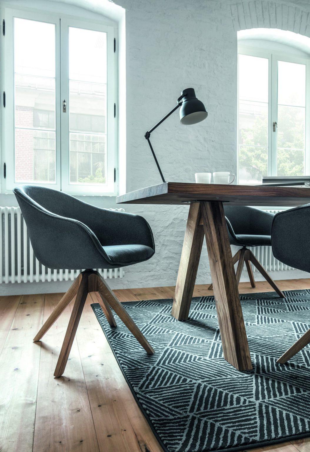 Halbschalen-Stuhl IBIZA von tiado mit verschiedenen Untergestellen