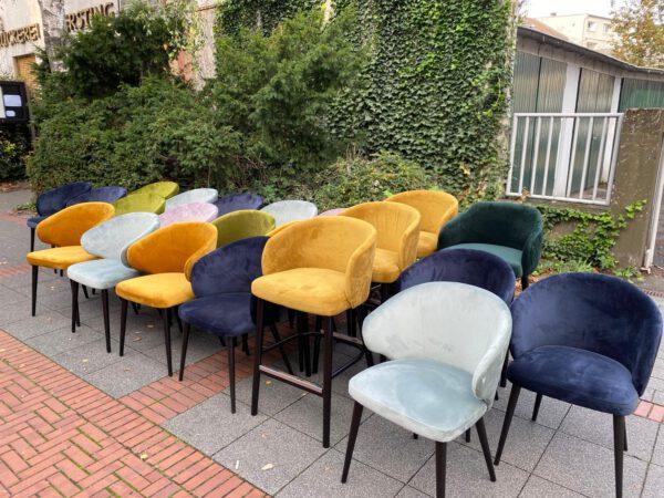 Der Samtstuhl FINN in diversen Farben