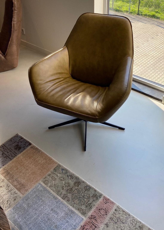 Der Polsterstuhl HUGO von DS Meubel aus bestem Rindsleder