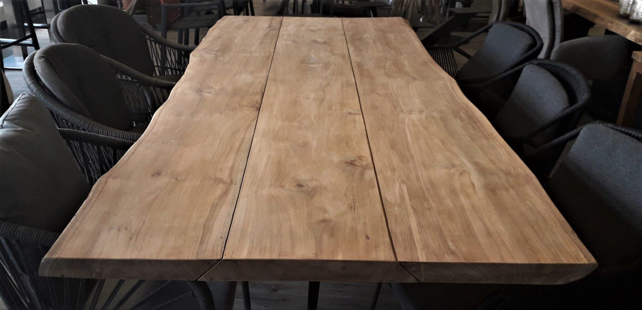 Einzigartige Teak-Tischplatte LURUS mit oder ohne Baumkante